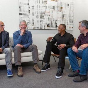 Apple підтвердила покупку компанії beats